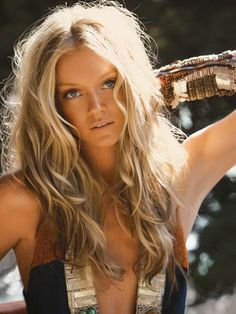 Beachy Waves - Salt Spray on wet hair, mousse on roots. Air dry.