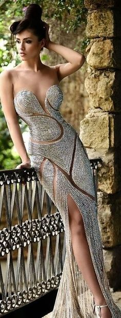 Evening Gowns Gold And Silver Evening Gowns Under 15 Stunning Dresses, Beautiful Gowns, Elegant Dresses, Pretty Dresses, Sexy Dresses, Fashion Dresses, Beautiful Outfits, Prom Dresses, Formal Dresses