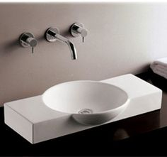 Isabella above mount basin with integrated round bowl and a center drain