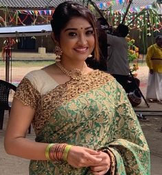 Southindian Actress Neelima Rani Saree Stills. Southindian Actress Neelima Rani Saree Stills. Beauty Full Girl, Beauty Women, Women's Beauty, Beautiful Saree, Beautiful Indian Actress, Modern Saree, Saree Photoshoot, Top Celebrities, Party Wear Sarees