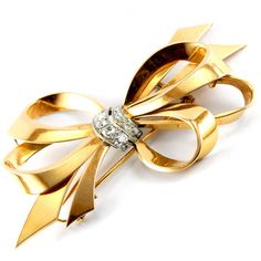 Cartier 1940s Diamond Gold Ribbon Bow Brooch ❤ liked on Polyvore featuring jewelry, brooches, diamond jewellery, gold jewelry, diamond brooch, gold diamond jewelry and gold jewellery