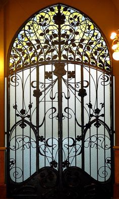 Barcelona - Casa Berenguer Architect: Joaquim & Bonaventura Bassegoda i Amigó