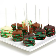 Send the sweetest gift of all: these irresistible Cheesecake Pops! Each one is drenched in imported Belgian chocolate for exquisite treats no one can resist! Christmas Cheesecake, Christmas Cake Pops, Christmas Chocolate, Chocolate Gifts, Chocolate Dipped, Dipping Chocolate, Chocolate Brown, Cheesecake Pops, Chocolate Cheesecake