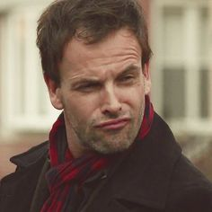 Jonny Lee Miller - what is your face