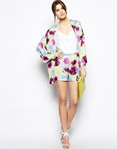 Enlarge ASOS TALL Short In Pretty Twisted Print