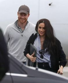 Harry looks so happy and relaxed. Prince William And Harry, Prince Harry And Megan, Harry And Meghan, Meghan Markle Hair, Meghan Markle Prince Harry, Prinz Harry, Royal Prince, Herzog, Royal Fashion