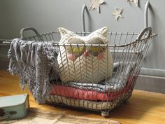 demi-portion !: nouveautés. love the owl and the wire basket