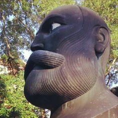 V parčíku na Daxnerovom námestí je osadená busta národovca, štúrovca, spisovateľa Štefana Marka Daxnera (1822-1892). Busta je odliata zo zliatiny kovov, umiestnená je na mramorovom stĺpe. Pamätník odhalili 21.12. 1973. Autormi sú akad. sochár Karol Lacko a Ing.arch. Virgil Droppa (architekt ktorý navrhol aj Gotko) Bratislava, Garden Sculpture, Outdoor Decor, Instagram