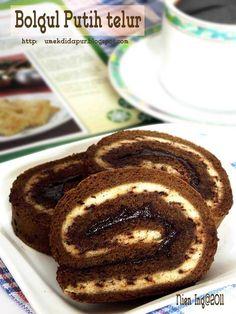Sudah lama pengen sekali merasakan cake dari putih telur....apa enak ya....? Tenyata enak banget....juga empuk. .. ... Kebetulan juga p...