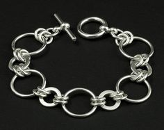 Sterling Silver Disc Link Bracelet - Silver Chain Link Bracelet - Silver Circle Link - Ring Link Bracelet - Sterling Silver Bracelet.  Circles are 3/4 in wide.  £85