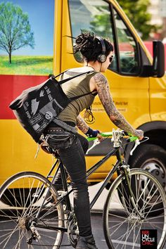 Berlin Cycle Chic | Shared from http://hikebike.net