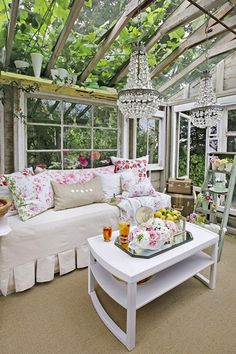 I need this outdoor/indoor space! If we move to Scotland this is definitely my conservatory inspiration!! Stunning!!