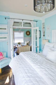 Sitting Room Off of Bedroom!!! (House of Turquoise: Guehne-Made)