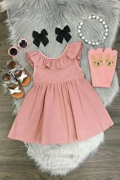 Toddler Girl Dusty Rose Ruffled Party Summer Dress Looking for a cute stylish party dress for your toddler girl? This pink blush pleated dress featuring ruffle collar is perfect for any party occassion. Baby Girl Dress Patterns, Baby Girl Dresses, Little Girl Outfits, Kids Outfits Girls, Kids Girls, Baby Girl Fashion, Kids Fashion, New Baby Dress, Frocks For Girls