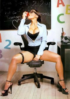 School classes with sexy teachers can be quite interesting. See photos of 26 sexy female teachers. Melyssa Ford, Bad Teacher, School Teacher, New Students, Girls With Glasses, Sexy Legs, Hip Hop, Sexy Women, High Heels