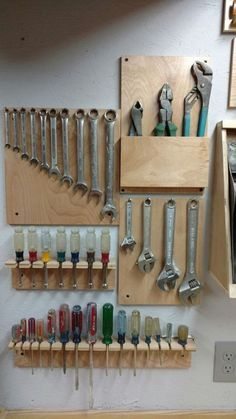 Some cool French clear tool storage ideas