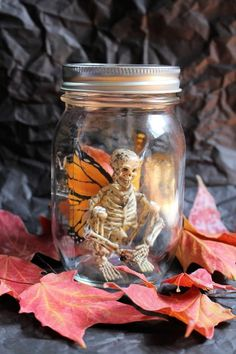 An elusive skeleton fairy captured in a jar. A perfect addition for fall or halloween decor in your home, room, or dorm. Jar is a basic mason jar. (Skeletons may vary slightly as materials available change) Moldes Halloween, Casa Halloween, Holidays Halloween, Happy Halloween, Halloween Skeleton Decorations, Diy Outdoor Halloween Decorations, Diy Halloween Props, Samhain Decorations, Halloween Stuff