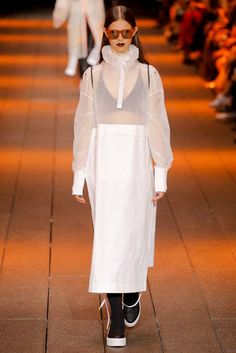 DKNY Spring 2017 Ready-to-Wear Collection Photos - Vogue