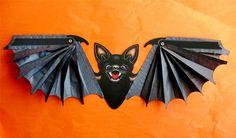 Vintage Style Halloween Honeycomb Tissue Bat 2 feet Folding Wings Beistle New