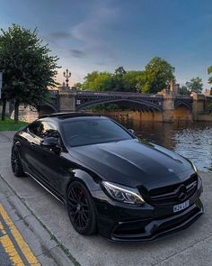 Mercedes E 250, Autos Mercedes, Mercedes Sport, Black Mercedes Benz, Mercedes Benz C63 Amg, Amg C63, Luxury Sports Cars, Best Luxury Cars, Mercedes Benz Wallpaper