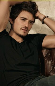Orlando Bloom...I actually like him better with a beard i think which is weird for me lol