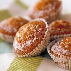 Perusohjeella leivottuja muffineita voi maustaa makunsa mukaan esim. suklaalla, marjoilla tai sitruunalla. Margarita, Breakfast, Recipes, Recipies, Margaritas, Ripped Recipes, Recipe