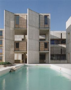 LOUIS I. KAHN -Salk Institute