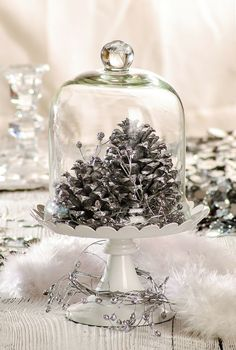 The world is so full of a number of things, I'm sure we should all be as happy as kings. White Christmas, Vintage Christmas, Christmas Wreaths, Christmas Centerpieces, Xmas Decorations, Candy Gifts, Diy Projects To Try, Winter Holidays, Holiday Crafts
