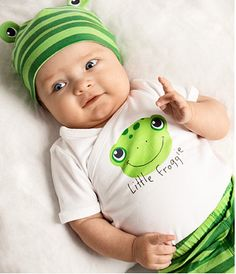 new born  babies with fashion | Newborn Clothes: Top 3 Inexpensive Newborn Clothes Brands