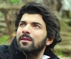 Kara Para Aşk 28.Bölüm - Engin Akyürek'ten Tanrıdan Diledim Türküsü