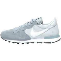 Sneakers van Nike bij stylefruits.nl met andere trendartikelen combineren of nu € 89,99 direct bij de partnershop bestellen!