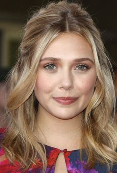With a warm flushed look, Elizabeth Olsen is our beauty look of the week. Find out how to get her look at home.
