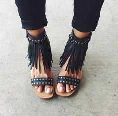 Si a ti te gustan las cosas bintage estoy zapatos son para ti ya que este otoño estos zapatos van a volver locos a todos porque son muchos estilos y estas de me muero