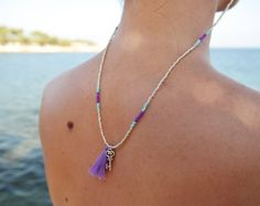 Seed Bead Sunglass Strap – Silver/Purple – The Boho Minimalist
