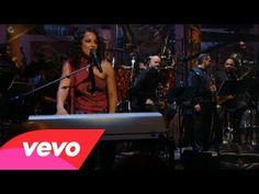 Alicia Keys - Unbreakable (Live) - YouTube
