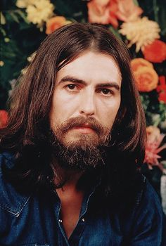 I'm Luzia, I love George Harrison a long time, and Beatles too. I like to see pictures, hear. Ringo Starr, George Harrison, Paul Mccartney, Liverpool, John Lennon Beatles, The Beatles, Beatles Photos, Beverly Hills, El Rock And Roll
