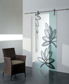 Porte scorrevoli: Porta Ghibli di Cristal | #design #portescorrevoli #arredamento |