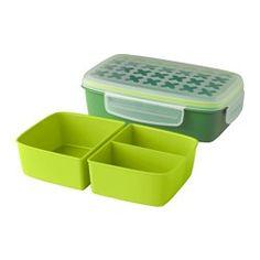 IKEA - FESTMÅLTID, Portavivande, 22x14x7 cm, , Sono inclusi 2 contenitori asportabili, per un totale di 3 scomparti, che ti permettono di separare l'insalata e la salsa dal piatto principale.Poiché il coperchio ermetico evita le perdite e il rischio che i cibi si danneggino durante il congelamento, questo prodotto è ideale per trasportare e conservare gli alimenti.Grazie al coperchio con chiusura a scatto che conserva gli aromi, gli alimenti restano freschi più a lungo.Puoi ridurre gli…
