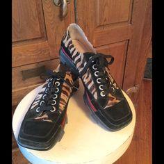 Donald Pliner Sport Shoes Like new condition, Anik sport animal print lace up shoes.  Back reflective stripe.  e Donald J. Pliner Shoes Athletic Shoes