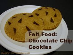 Fun and easy tutorial for making felt chocolate chip cookies - hours of pretend play fun!