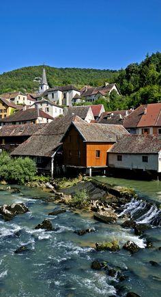 Doubs, vallée de la Loue, Lods, France