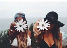 photos to do with a bff 🌊🐚 Best Friend Photography, Tumblr Photography, Photography Ideas, Couple Photography, Amazing Photography, Hipster Photography, Photography Awards, Photography Services, Photography Business