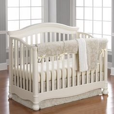 Cloud Linens Bumperless Crib Bedding | Liz and Roo Fine Baby Bedding. Beautiful neutral baby bedding for your nursery from Liz and Roo's Cloud Linen Collection