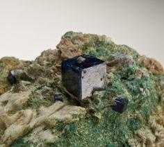 Boleite from Amelia Mine, Santa Rosalia, Baja California, Mexico [db_pics/new2011/Boleite-SantaRosalia-Mexico-95mm-JB419-10.jpg]