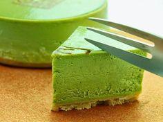 Matcha y queso Green Tea Recipes, Raw Food Recipes, Healthy Desserts, Snack Recipes, Green Tea Cheesecake, Green Tea Dessert, Matcha Cake, Green Tea Ice Cream, Matcha Smoothie