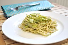 Paste cu pesto si dovlecei - reteta Pesto, Vegetarian, Ethnic Recipes, Food, Essen, Meals, Yemek, Eten
