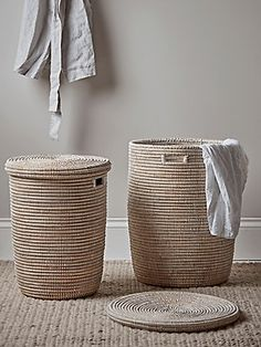 White Wicker Washing Clothes Laundry Basket Large Dirty Light Lid Wood Liner UK