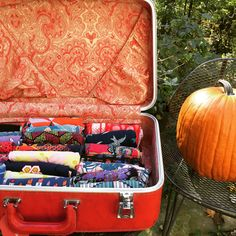 LuLaRoe Leggings Storage Vintage suitcases rule!