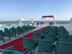 Urmează un eveniment important în viața ta ? Lasă-ne să te ajutăm să-ți îndeplinești visul !   Restaurantul TurQuoiSE  iți oferă o locație deosebită cu deschidere la malul mării unde te poți bucura de până la 450 de invitați pentru orice tip de eveniment privat (nuntă, cununie civilă în aer liber pe terasă cu piscină sau pe plajă, botez, logodnă, aniversare, majorat) sau corporate (seminarii, conferințe, ședințe, aniversări, petrecere crăciun, workshop-uri, team building-uri, evenimente… Venus, Opera House, Marie, Lounge, Restaurant, Building, Travel, Littoral Zone, Airport Lounge