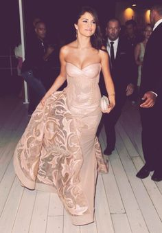 Such a gorgeous gown